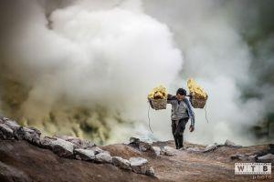 sulfur miner kawah ijen indonesia 2012